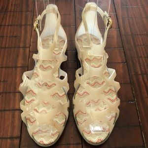 Forever 21 sandals size 6